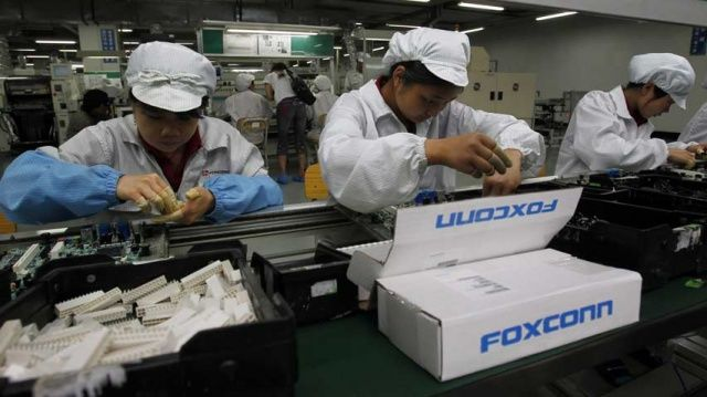 hi-852-foxconn-workers